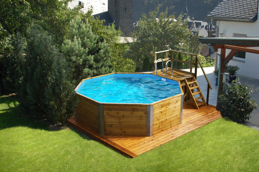 pool mit holzumrandung schwimmbadzubeh r aus w llersdorf. Black Bedroom Furniture Sets. Home Design Ideas